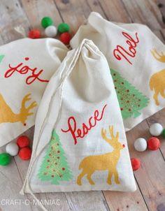 DIY Christmas Stenciled Treat/Gift bags. #handmadegifts #handmadechristmas