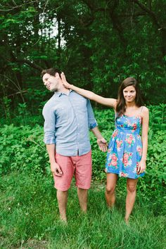 20 Non-Cheesy Poses for Your Engagement Shoot | Bridal Musings Wedding Blog 10