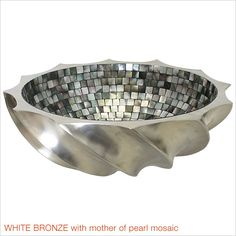 Round Wave sink in white bronze and mother of pearl.