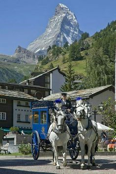 Grand Hotel Zermatterhof, Zermatt, Switzerland - Brings back memories of visiting there a lot of years ago. Zermatt, Places To Travel, Places To See, Travel Destinations, Hotel In Den Bergen, Places Around The World, Around The Worlds, Grindelwald, Lugano
