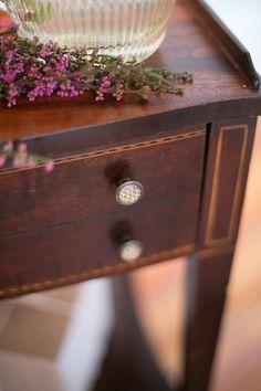Inspiration: delicate knobs Spite House, Home Decor Inspiration, Design Inspiration, Blue Design, Delicate, Interior Design, Holiday Decor, Nest Design, Home Interior Design