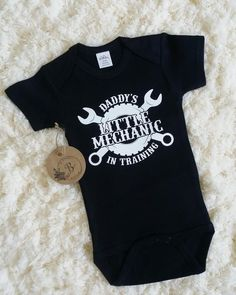 Little mechanic Daddys mechanic Mechanic onesie Baby onesie Mechanic in training Black - Jaxon Baby Name - Ideas of Jaxon Baby Name - Little mechanic Daddys mechanic Mechanic onesie Baby Baby Boy Shirts, Boy Onesie, Onesies, Baby Outfits, Kids Outfits, Baby Mechanic, Roman, Daddys Little, Cute Baby Clothes