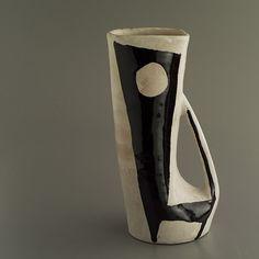 André Freymond - pottery - ceramics - black and white - vessel