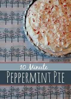 Here is a super quick and easy Holiday Recipe- 10 Minute Peppermint Pie. No baking required! This pie takes between minutes to assemble. Frozen Desserts, Just Desserts, Delicious Desserts, Dessert Recipes, Yummy Food, Quick Dessert, Pie Dessert, Holiday Baking, Christmas Baking
