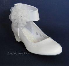 8 Tiny Wedding Shoes ideas | wedding