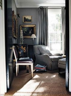 Fabulous wall-to-wall gingham in dramatic black and white in this room by Australian design Cameron Kimber. Black Chinese cabinet topped with a white pagoda in the corner is just the cherry on the sundae.
