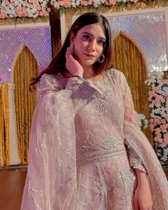 Pakistani Dresses Party, Asian Wedding Dress Pakistani, Party Wear Indian Dresses, Beautiful Pakistani Dresses, Desi Wedding Dresses, Pakistani Fashion Party Wear, Designer Party Wear Dresses, Indian Fashion Dresses, Pakistani Dress Design
