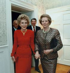 First Lady Of America, The Iron Lady, Nancy Reagan, Margaret Thatcher, Reagan Thatcher, President Ronald Reagan, The Wedding Singer, Great Women, Vintage Outfits
