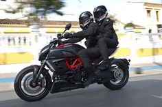 Ducati Diavel-Carbon