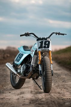 The new Caballero Flat Track 500 gets the dirt treatment from reclusive Japanese builder Cheetah. Flat Track Motorcycle, Flat Track Racing, Tracker Motorcycle, Moto Bike, Scrambler Motorcycle, Kawasaki Cafe Racer, Cafe Racer Moto, Cafe Racer Bikes, Cute Boy Photo