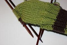 Hvordan strikke sokker / ull labber – Boerboelheidi Knitted Hats, Winter Hats, Knitting, Fashion, Tricot, Knit Hats, Moda, La Mode, Knit Caps