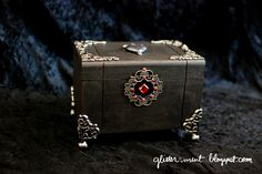 Glitter Mint: Once Upon A Time Decorated Box - more pics in article