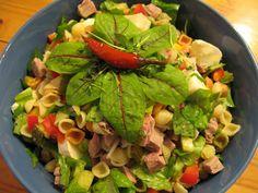 Lammasreseptit Cobb Salad, Chicken, Meat, Food, Essen, Yemek, Buffalo Chicken, Cubs, Meals
