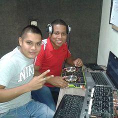 Viernes de #activacion en la cabina de @blast1031 hoy con la visita de mi bro @amethdj recordando viejos tiempos. SINTONIZAAA 103.1fm #BlastPm con @djraulpanama y @amethdj #BlastConectadosContigo #MesDeAniversario #Panamà #Pty #Djs #Radio #Emisora #Host #Music #Reggae #Dancehall #Electro #Edm #pop #Mambo #Merengue #Urbano #Musica #Bless by djraulpanama