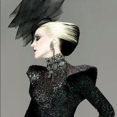 Daphne does Gothic glam      More lusciousness at www.myLusciousLife.com