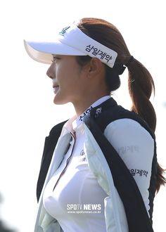 Beautiful Asian Girls, Gorgeous Women, Lpga Golf, Sexy Golf, Classy Dress, Ladies Golf, Sport Girl, Asian Woman, Short Dresses