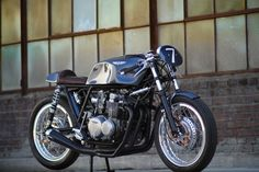 Custom Honda CB550 by Raccia Motorcycles
