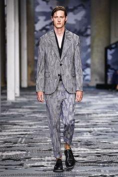 Neil-Barrett-Spring-Summer-2016-Menswear-Collection-Milan-Fashion-Week-008
