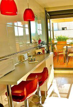 barra en cocina Kitchen Interior, Kitchen Decor, Kitchen Design, Small Rooms, Small Spaces, Wardrobe Furniture, Narrow Kitchen, Little Kitchen, Home Staging