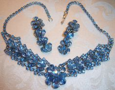 GORGEOUS VTG JULIANA BLUE CRYSTAL RHINESTONE NECKLACE EARRING SET DEMI PARURE