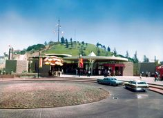 Universal Studios Entrance, San Fernando Valley, CA, 1963 California History, Vintage California, California Dreamin', Universal City, Universal Studios, Hollywood Images, San Fernando Valley, Valley Girls, Film Studio
