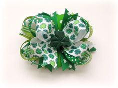 Stacked St Patrick's Day Bow: Tutorial