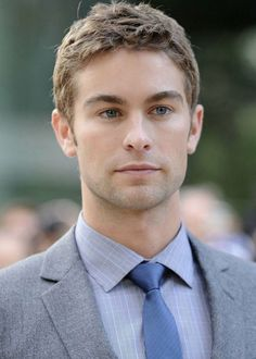 Chase Crawford such a hottie!