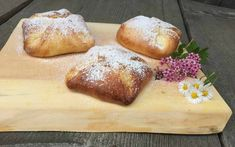 Topfengolatschen - Backen mit Christina Bread Baking, Love Food, Muffins, Bakery, Food And Drink, Cupcakes, Eat, Desserts, Bon Appetit