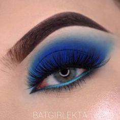 Smoke Eye Makeup, Black Smokey Eye Makeup, Blue Eyeshadow Looks, Blue Smokey Eye, Makeup Eye Looks, Beautiful Eye Makeup, Eye Makeup Art, Colorful Eye Makeup, Eyeshadow Makeup