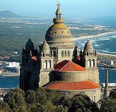tourism + funicular | Igreja de Nossa Senhora da Agonia