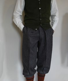 THE TWEED PIG: The Right Trousers - Go Cycling in Spencers Trousers