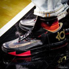 Nike KD 6 Camo Swoosh Nike Kd Shoes, Sports Shoes, Basketball Shoes, Nike Footwear, Chicks In Kicks, Hip Hop Wear, Kd 6, Sneaker Bar, Kinds Of Shoes