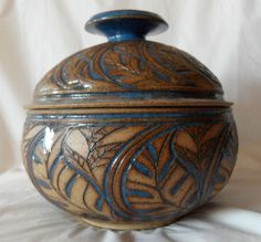 """This is a BEAUTIFUL example of the talented potter SUSAN BROWN FREEMAN, based in Birmingham, Alabama. This bowl with lid measures approximately 6 3/4"""" wide x 6 1/2"""" tall with the lid, 6 3/4"""" x 4"""" without the lid."""