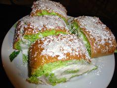 A Prendre Sans Faim: Gâteau pandan noix de coco http://www.aprendresansfaim.com/2014/09/gateau-pandan-noix-de-coco.html