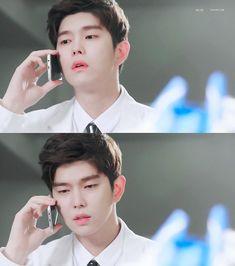 닥터스 Doctors Korean Drama, Korean Drama Movies, Korean Actors, Kim Yoo Jung, Jung Yoon, Dramas, Kyun Sang, Singing, Passion