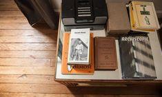 Table Basse Livres Maison Reims Créateurs de La Maison Jaune Julien et Élodie…