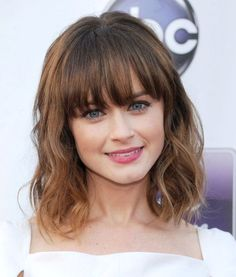 Hairstyles For Medium Length Hair Round Face Medium Length Hair With Bangs, Cute Medium Length Hairstyles, Hairstyles With Bangs, Medium Hair Styles, Hairstyles 2018, Alexis Bledel, Gilmore Girls, Hair 2018, Layered Haircuts