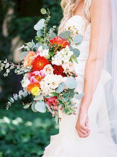 Floral Design: Sarah's Garden - http://www.stylemepretty.com/portfolio/sarahs-garden Photography: LESLIE D PHOTOGRAPHY - www.LeslieDPhotography.com   Read More on SMP: http://www.stylemepretty.com/2016/07/28/classic-elegant-arizona-wedding-with-pops-of-beautiful-color/