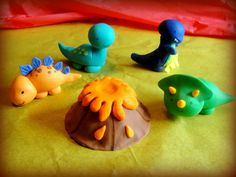 Baby Dino fondant cake toppers by Irishmaiden91 on Etsy, $45.00