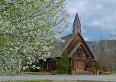 Wedding Chapel, Townsend, TN... Must visit for market research :)