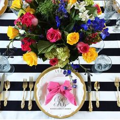 Learn how to throw a Kate Spade inspired brunch and create a waffle bar using the menu, recipes and tutorials included