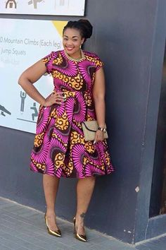 Like the Africans, they have a preference to wear a colorful dresses when they are going to attend a wedding party. Just take a look at these African wedding guest dresses. African Inspired Fashion, Latest African Fashion Dresses, African Print Dresses, African Print Fashion, Africa Fashion, Fashion Prints, African Prints, Best African Dresses, African Attire