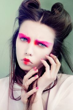 This bright-eyed beauty look is the perfect Halloween costume for pale girls