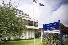 Being the second busiest airport in London and its neighborhood, Gatwick Airport enjoys heavy car parking demand. Keeping the pace with the ascending demand, here lots of car parking is available for passengers.