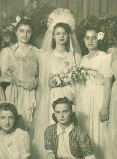 Vintage Wedding Photography, Vintage Wedding Photos, Vintage Weddings, Wedding Pictures, Vintage Photos, Chic Vintage Brides, Antique Photos, Here Comes The Bride, Bridal Looks