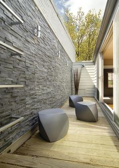 Interior Stone Wall - http://www.dreheydra.com/3966/interior-stone-wall-2 #homeideas #homedesign #homedecor