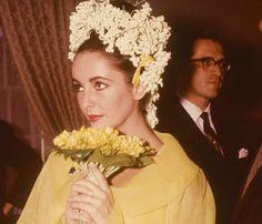 Yellow wedding day Elizabeth Taylor