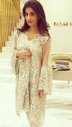 Faraz Manan Desi Bride, Desi Wedding, Wedding Ceremony, Pakistani Outfits, Indian Outfits, Casual Street Style, Indian Fashion, Women's Fashion, Classy Outfits