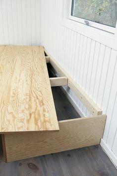 Byg selv sofabriksen - Boligliv - med plads til opbevaring! Super smart til små sommerhuse :)