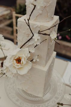 Wedding Inspiration: An Intimate, Minimalist Love Story Inspired by The Lane White Blossom Tree, Creative Wedding Cakes, Wedding Breakfast, Bridal Shoot, White Bridal, Simple Colors, Industrial Wedding, Love Story, Floral Arrangements